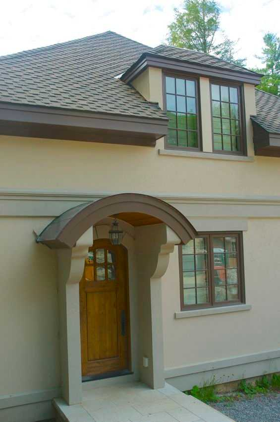 The Stucco House Image 6 (Small)